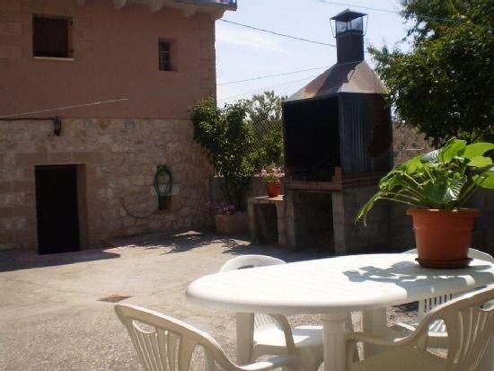 Apartamento rural Los Olmos para 6 personas, holiday rental in San Miguel de Bernuy