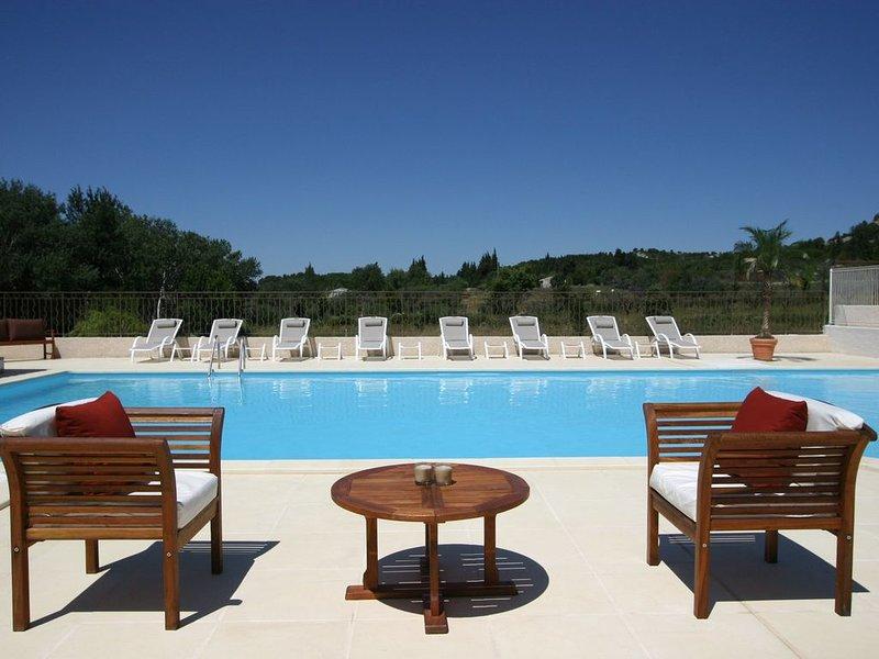 Appartement+Mezzanine | Piscine, parking + Provence !, location de vacances à Paradou