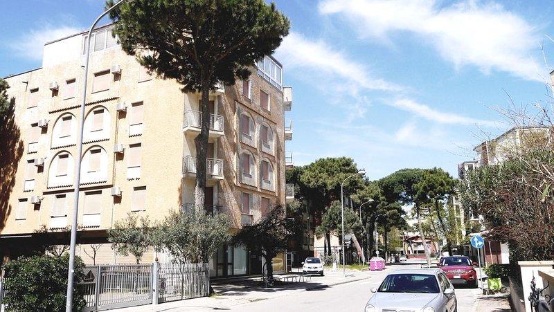 RESIDENZA HOLIDAY: mare e shopping a portata di mano., vacation rental in Porto Garibaldi