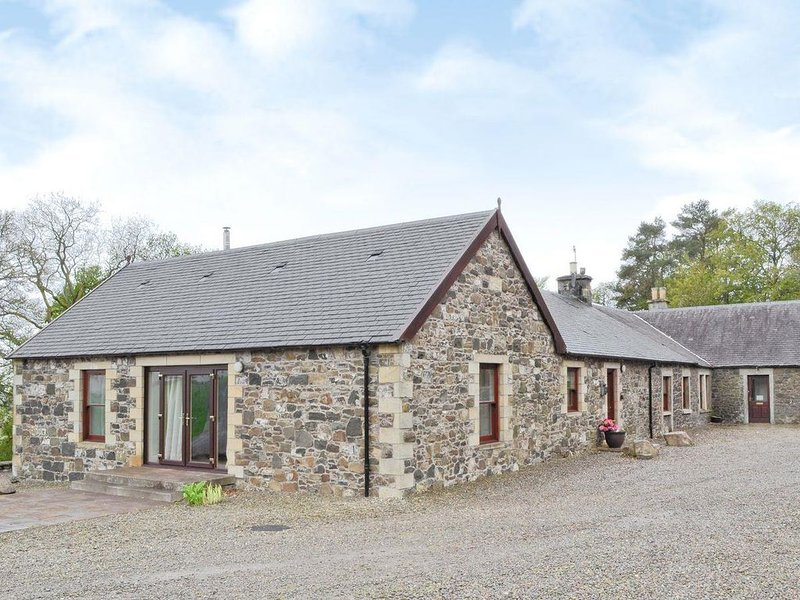 Family friendly cottage in rural setting, 2 miles from village with pub, location de vacances à Muirkirk