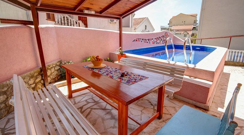 Two-bedroom Villa Gaudi with Private Pool located in a quiet neighborhood, holiday rental in Budva