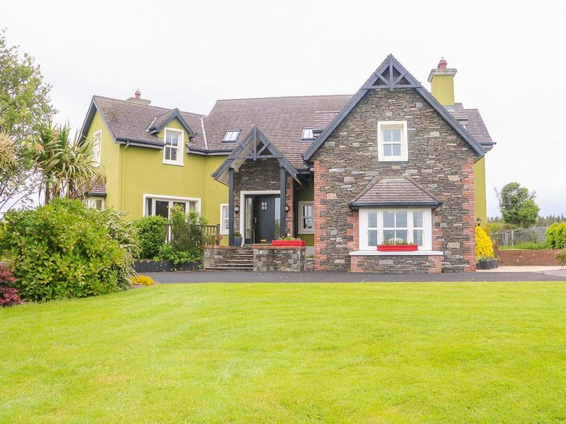 Croughmore West, FIRIES, COUNTY KERRY, holiday rental in Kilcummin