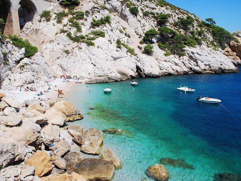 Villa dans les calanques au bord de la mer, holiday rental in Gignac-la-Nerthe