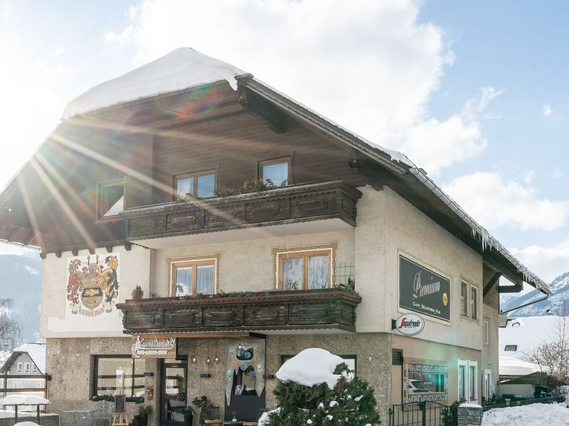 Modern Apartment in Sankt Michael in Lungau with Terrace, holiday rental in Katschberghohe