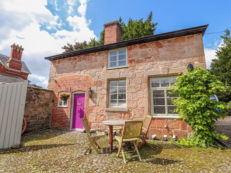 Rectory Cottage, WEST FELTON, vacation rental in Bagley