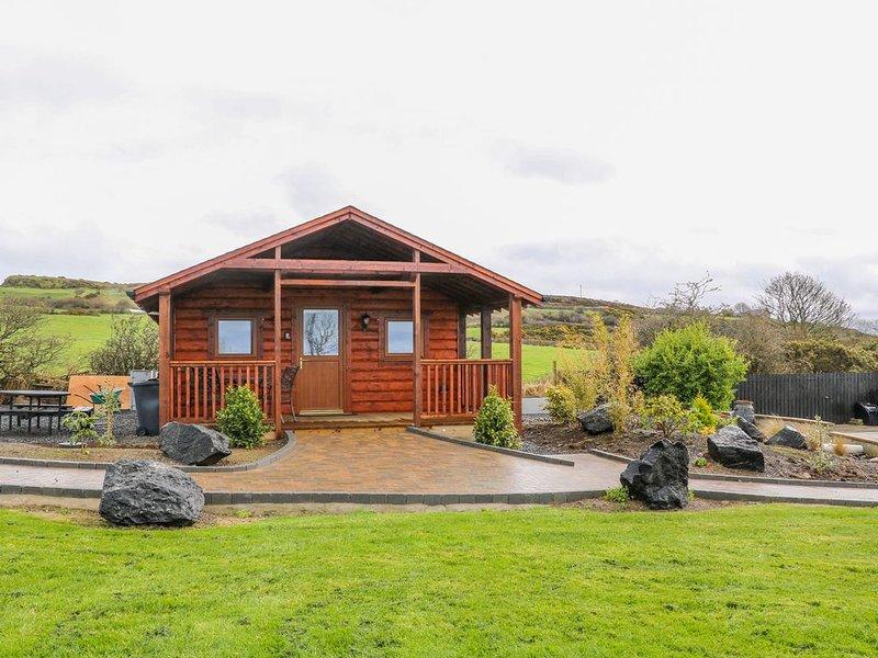 Alken Cabin, BUSHMILLS, COUNTY ANTRIM, holiday rental in Dervock