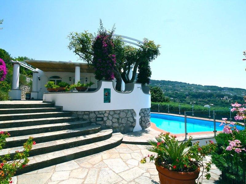 CAPRI DREAM - Six Bedroom Villa, Sleeps 12, holiday rental in Island of Capri