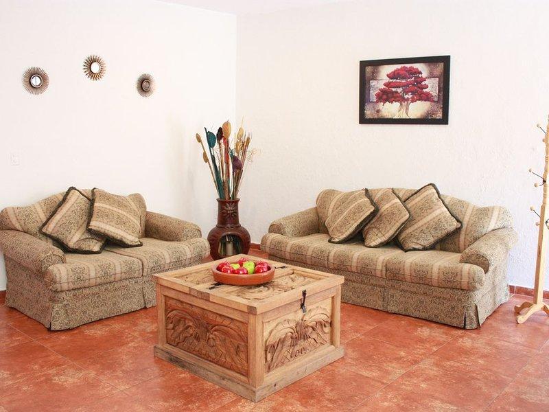Casa Azuela & Valencia - Beautiful home in Guanajuato Historical District, location de vacances à Guanajuato