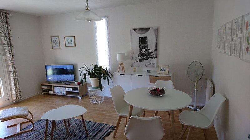 APPARTEMENT CALME DANS QUARTIER RESIDENTIEL, holiday rental in Bages