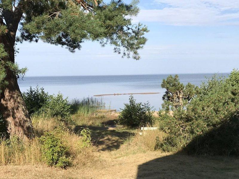 Ett fantastiskt strandhus på Svalnäs, Lidköping, Västra Götaland uthyres, holiday rental in Vastra Gotaland County