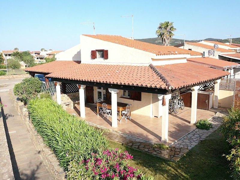 Bilocale con giardino - San Teodoro, holiday rental in San Teodoro