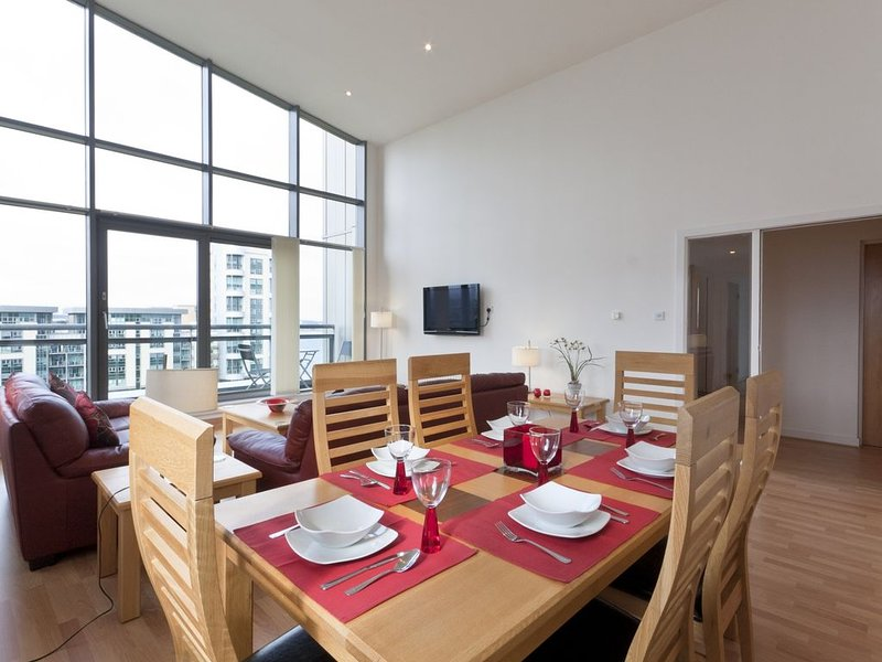 Luxury Penthouse Ocean View 3 Bedroom Apartment, location de vacances à Burntisland