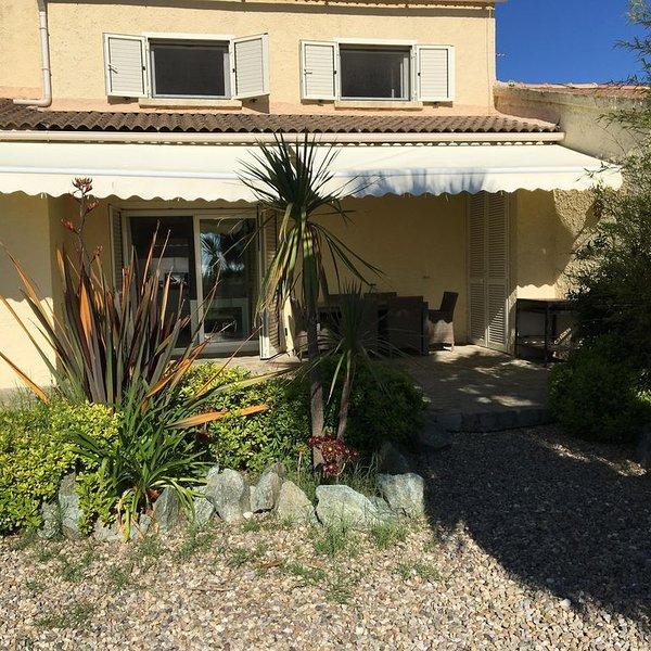 villa avec accès direct à la mer  Marina Di Fiumalto, vacation rental in Taglio-Isolaccio