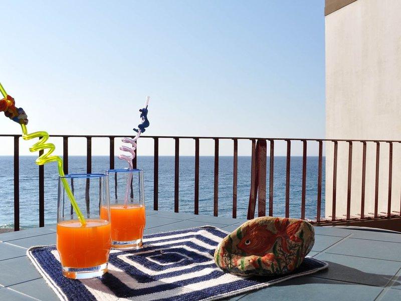 Appartamento in residence con spiaggia privata, holiday rental in Letojanni