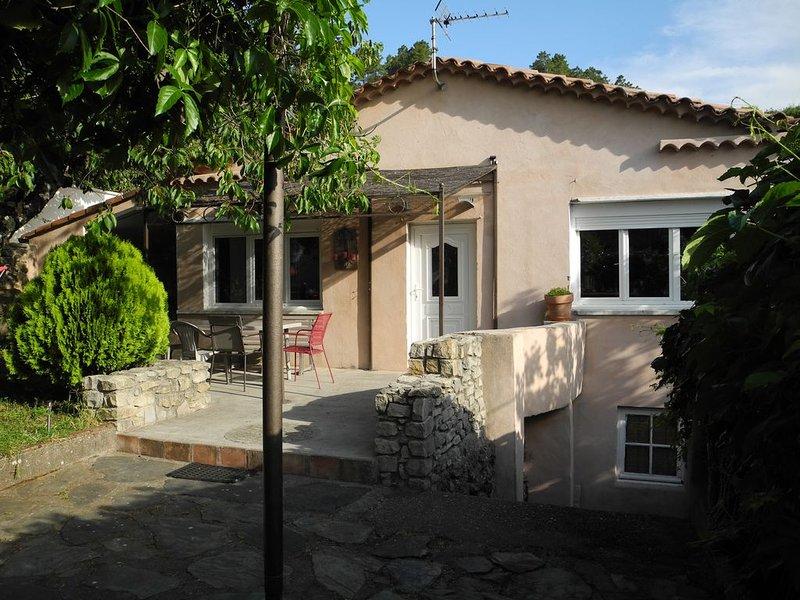 Agréable maison sur les hauteurs d'Anduze, location de vacances à Anduze