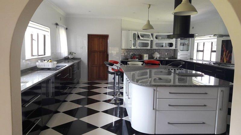 Borrowdale Sanctuary, casa vacanza a Harare