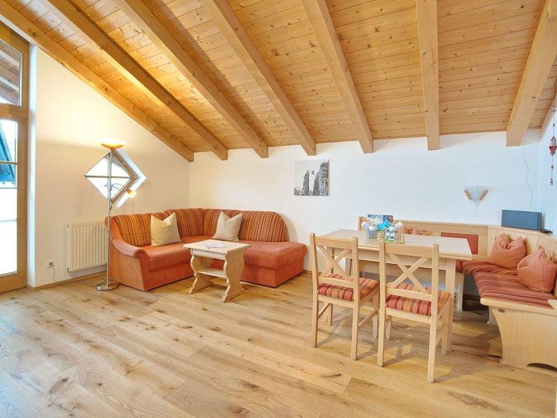 2 Zimmer Ferienwohnung mit Sauna, Skikeller, Fahrradkeller, aluguéis de temporada em Wertach