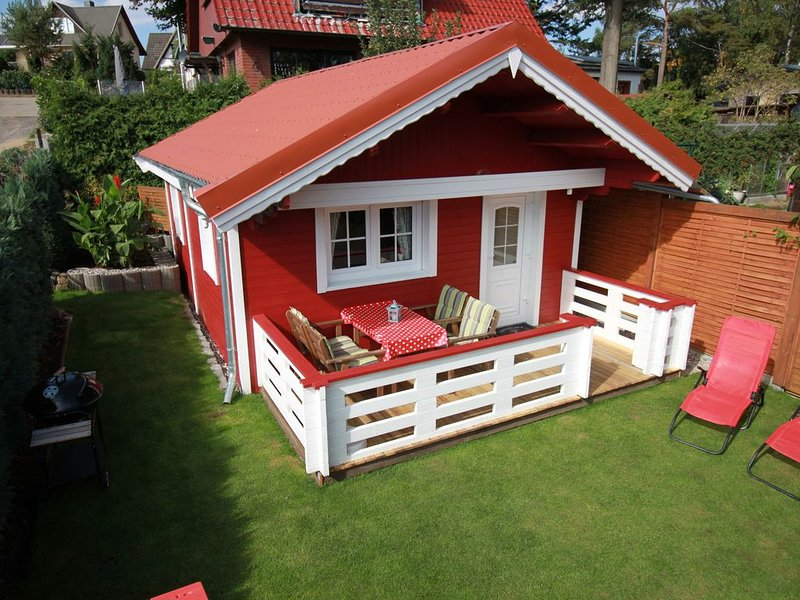 Gemütliches Ferienhaus in Strandlage für 4 Personen nur 100m zur Badestelle, holiday rental in Krakow am See