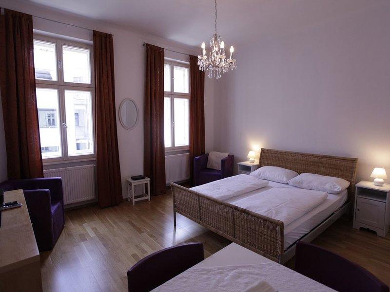 Ruhig und zentral wohnen am Augarten, holiday rental in Hagenbrunn