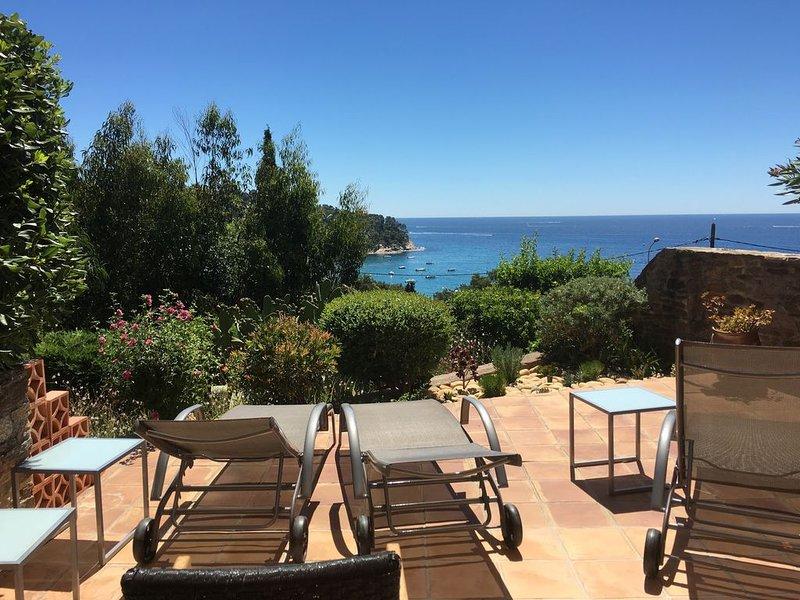 Location d'une maison de pécheur, 300 mètres  de la plage, casa vacanza a Rayol-Canadel-sur-Mer