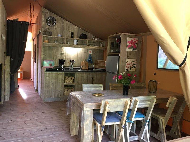 Gîte 5p grand confort dans beau domaine avec piscine, location de vacances à Saint-Chamassy
