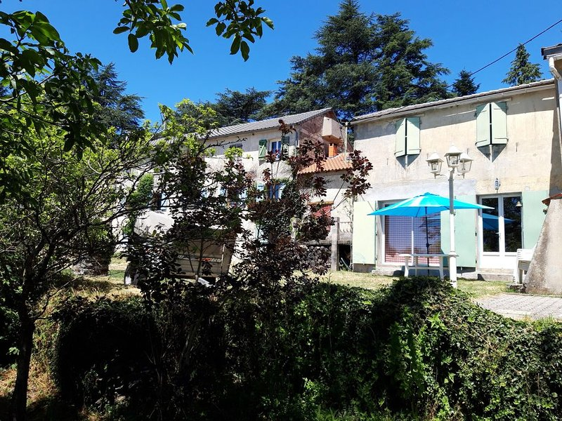 LOCATION GÎTE 'LE FAOU PETIT', holiday rental in Villardonnel
