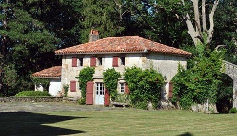 Ascain:  Charmant Cottage proche Saint Jean de Luz, alquiler vacacional en Sare