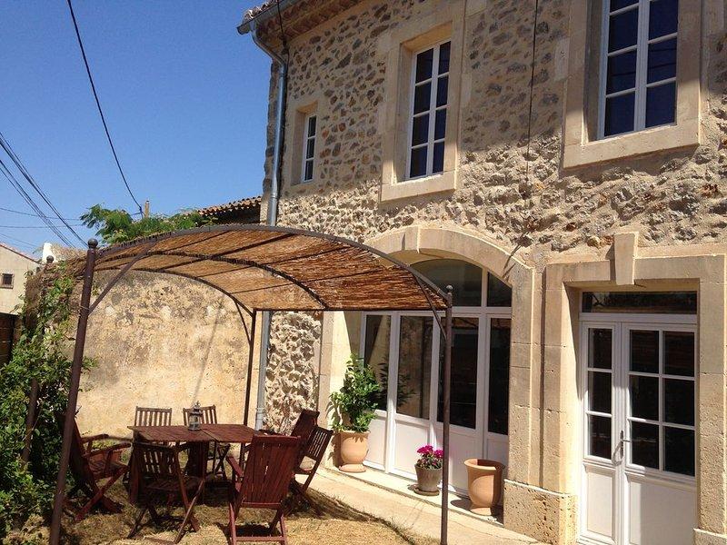 Maison de maître en pierre avec jardin, vakantiewoning in Saint-Andre-de-Roquelongue