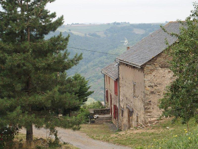 La Lauzière, ancienne ferme, holiday rental in Serenac