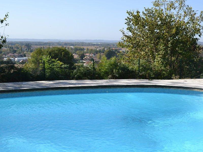 Gite labelisé gite de france avec piscine, en campagne entre mer et montagne, alquiler vacacional en Piets-Plasence-Moustrou