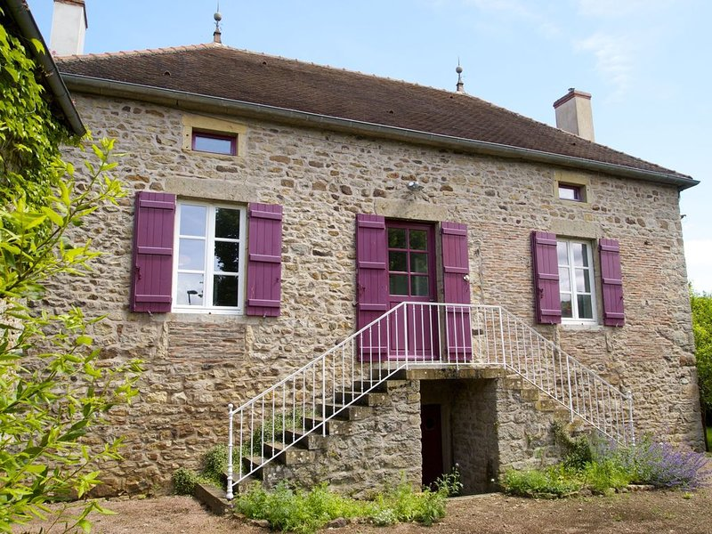 Lovely cottage near Cluny, Taizé, Cormatin, vacation rental in St Boil