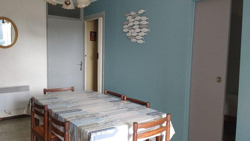 Appartement 3 pièces + grande loggia  2/4 personnes Plage Nord 300 m de la plage, aluguéis de temporada em Argeles-sur-Mer