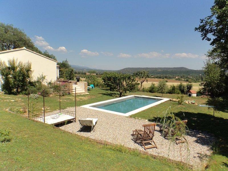 Villa  Luberon avec piscine, Ferienwohnung in Lauris