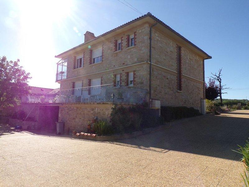 Gîte de Lacaze 2 épis, location de vacances à Villeneuve d'Aveyron