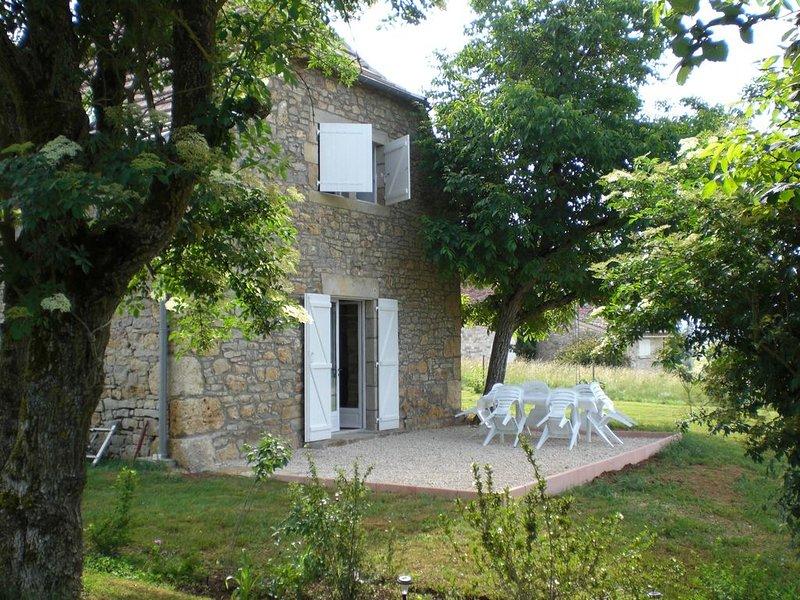 Magnifique GITE en AVEYRON situé entre Villefranche de Rouergue et Figeac, location de vacances à Villeneuve d'Aveyron
