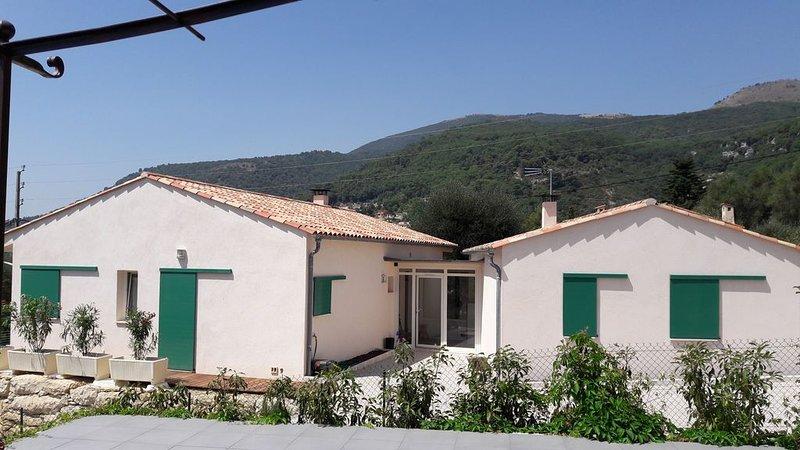 MAISONNETTE INDEPENDANTE DE 42M2 PROCHE VILLAGE CLASSE DE TOURRETTES SUR LOUP, holiday rental in Coursegoules