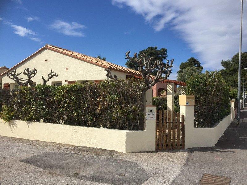 Petite villa individuelle proche de la mer, holiday rental in Sainte-Marie-Plage