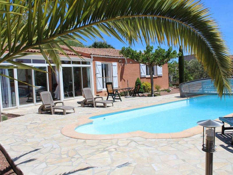 Villa individuelle avec piscine, mer et campagne, holiday rental in Le Somail