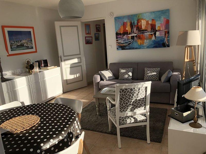 Charmant T2 au cœur historique de LA ROCHELLE  lumineux  balcon Sud -Est Wifi, alquiler vacacional en Puilboreau