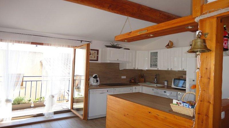 Maison du Pêcheur à Mèze (34) , 140 m2, 150 m port, des plages, vacation rental in Meze