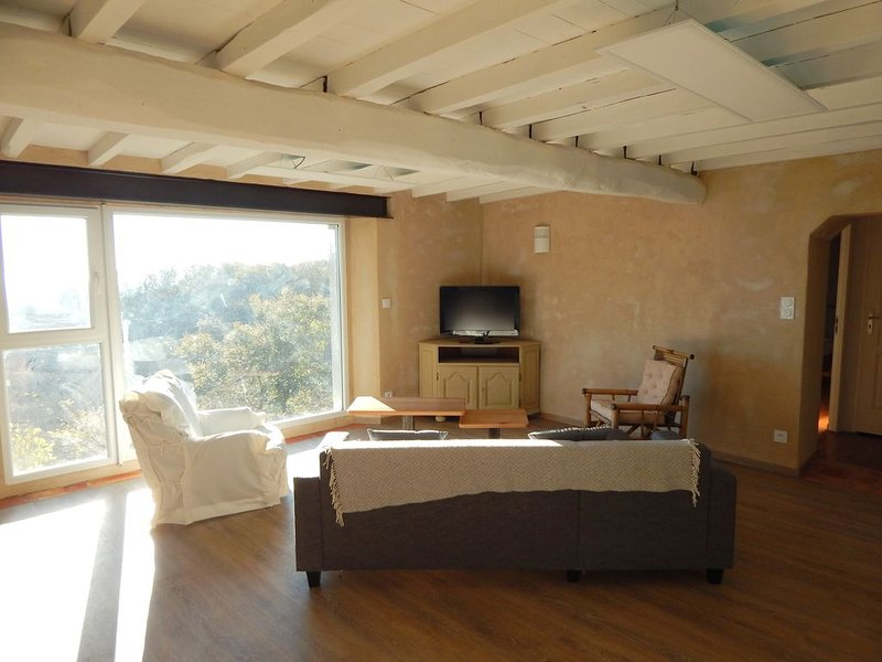 Gite rural lestaplou, holiday rental in Montgey