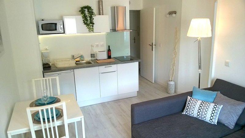 NOUVEAU ! Joli T2 NEUF entre Bordeaux, la mer et les vignobles !, holiday rental in Saint-Jean-d'Illac