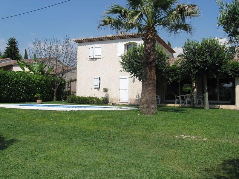 Belle villa au calme sans vis à vis avec piscine privative, vacation rental in Bouc-Bel-Air