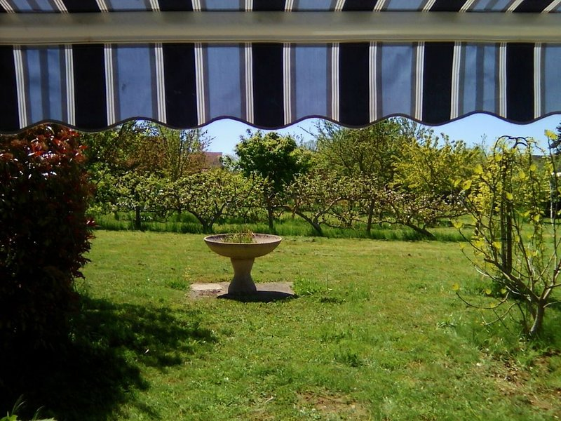 Maison de Vacances - Bourgognes du Sud, holiday rental in Saint-Germain-du-Plain