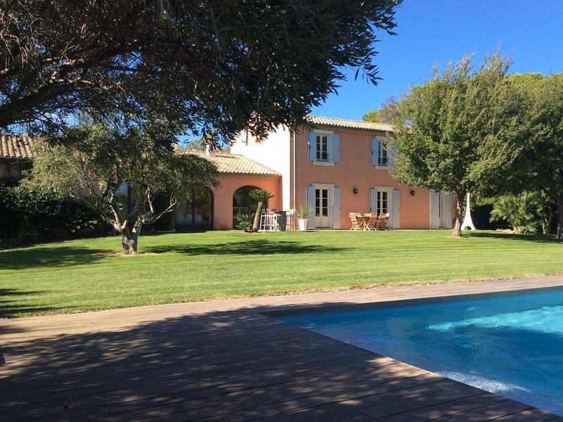 Bastide Languedocienne de Standing à Pezenas, aluguéis de temporada em Nezignan-l'Eveque