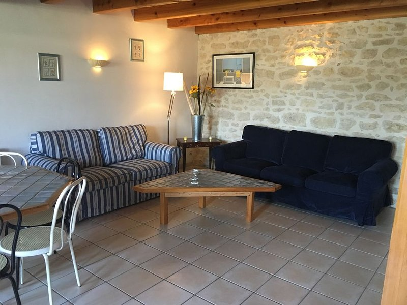 Cottage paisible au Domaine les Granges, holiday rental in Archingeay