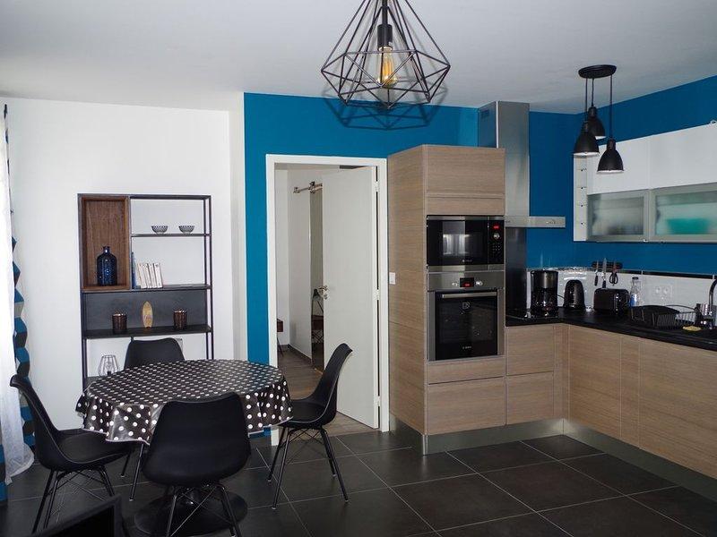 Appartement neuf au coeur du centre ville avec parking privatif, aluguéis de temporada em La Rochelle