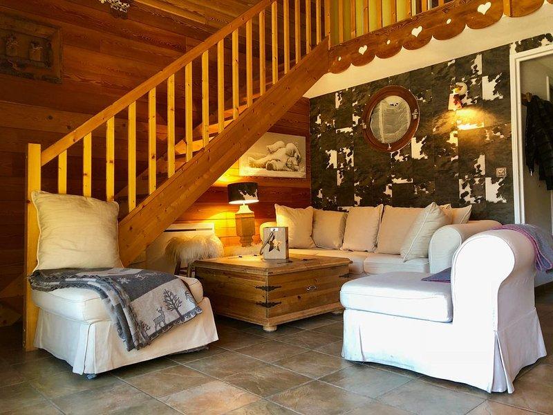 App style chalet de caractère, chaleureux et confortable au pied des pistes, holiday rental in La Salle les Alpes