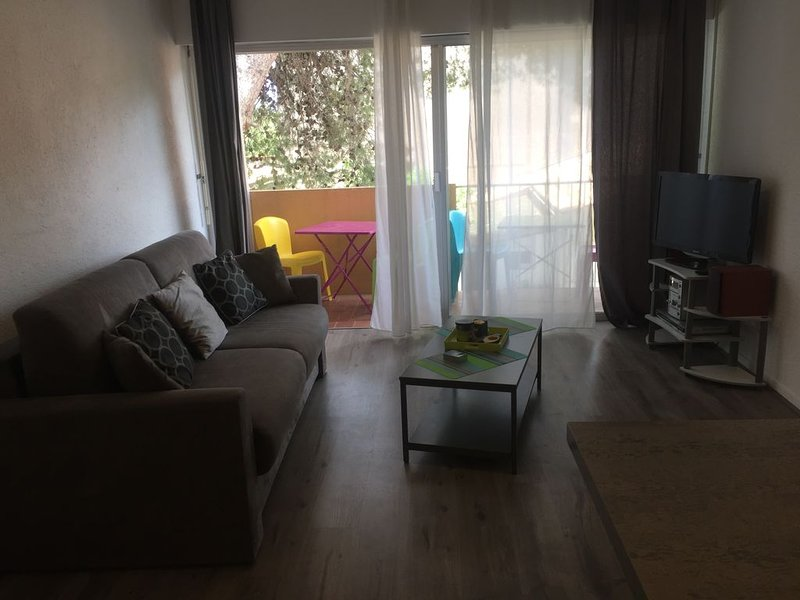 Bel appartement moderne, vacation rental in Leucate