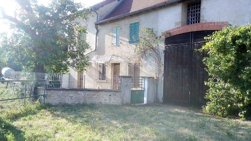 Maison rustique en pierre, holiday rental in Paray Le Monial